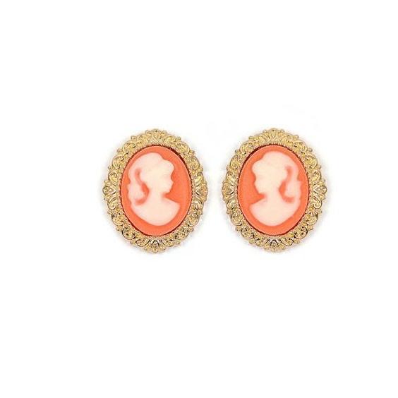 Boucles d'oreilles puce camées corail dentelle plaqué or - La Petite Française